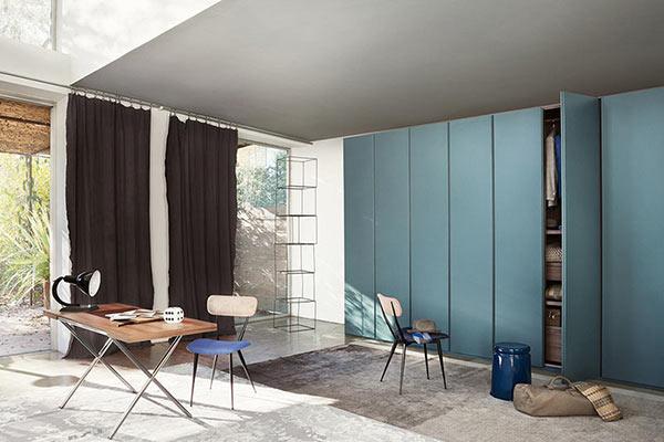 Nyíló ajtós beépített szekrény